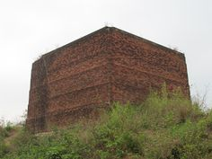 Gumgarh - a little known monument in #Bishnupur  The purpose of this structure is not known till date.  #IndianColumbus  http://indiancolumbus.blogspot.com/2016/02/gumgarh.html