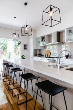 30 Best Kitchen Lighting Fixtures & Ideas for Your New Kitchen Best Kitchen Lighting, Kitchen Lighting Design, Kitchen Island Lighting, Kitchen Lighting Fixtures, Kitchen Pendant Lighting, Kitchen Pendants, Island Kitchen, Lantern Pendant, Pendant Lamps
