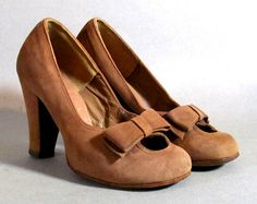 1940s suede heels. So cute! I want a pair of these!