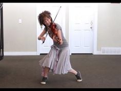 Lindsey Stirling's outfit is adorable!!