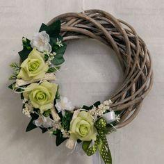Grapevine Wreath, Grape Vines, Diy And Crafts, Portfolio Ideas, Wreaths, Simple, Holiday, Home Decor, Xmas