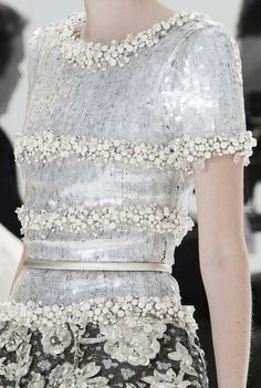 Details at Chanel Couture F/W 2014 Couture Mode, Style Couture, Couture Details, Fashion Details, Couture Fashion, Runway Fashion, High Fashion, Fashion Show, Womens Fashion