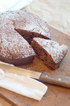 Irish Spiced Fruitcake from @NevrEnoughThyme http://www.lanascooking.com/2013/01/22/irish-spiced-fruitcake/
