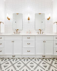 """Kicking off the week with more from our @kohlerco collab! We're talking all about how to bring pattern into your bathroom design to create a """"wow factor"""", while still keeping things timeless and tasteful! {Link in profile} #kohlerideas #wilsonmoderncolonial"""