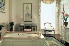 bath in Connecticut with floral elements ~ Bunny Williams design