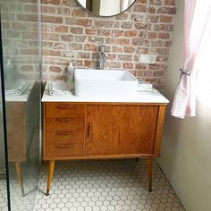 40 trendy bathrooms from the - New Ideas 40 trendy bathrooms from the - New Ideas Vintage badkamer ontwerp sterdam Bathroom Furniture, Mid Century Bathroom, Trendy Bathroom, Vanity, Bathroom Makeover, Bathroom Vanity, Small Bathroom, Rustic Bathrooms, Bathroom Inspiration