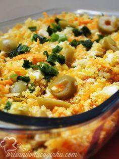Receita que contém sal, ovos, ovo, azeitona verde, azeite, cebola, pimenta, farinha, limões, cenoura grande, limão