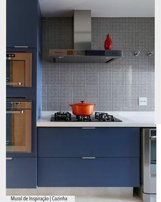 """1,957 curtidas, 20 comentários - ArquiteturadeCoração (@arquiteturadecoracao) no Instagram: """"Adoro cozinhas modernas e arrojadas. Fugir do convencional e surpreender! O azul petróleo ficou…"""""""