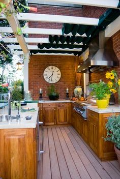 Out Door kitchen, would love this...