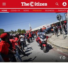 Newspaper picture of a Dogs of War member on his motorcycle in Senekal, while driving past an angry mob of EFF members at the bail hearing for two suspects in the brutal farm murder of Brendin Horner Newspaper Pictures, Military Veterans, Bikers, South Africa, Motorcycle, War, Dogs, Motorcycles, Pet Dogs