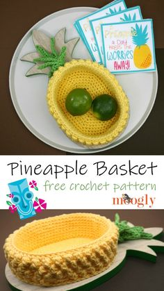 Pineapple Basket - free crochet pattern on Moogly! Make it with Red Heart Scrubby Smoothie! This Pineapple Basket is so cute! It's perfect because I have leftover yellow yarn that I've never been able to use! Free crochet pattern on Moogly! Crochet Gratis, Crochet Amigurumi, Crochet Food, Crochet Kitchen, Diy Crochet, Crochet Fruit, Crochet Bags, Crochet Ideas, Crochet Scrubbies