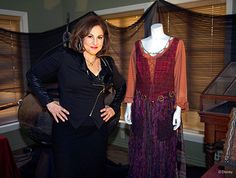 Disney's Hocus Pocus Cast Reunion 2013 - a svelte Kathy Najimy barely resembles her quirky Mary Sanderson character. I'm happy for her, but I will always be fond of our plump and funny Mary.