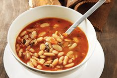 Traditional Greek bean soup recipe (Fasolada) - My Greek Dish - Adrienne Smith Bean Soup Recipes, Rice Recipes, Cooking Recipes, Healthy Recipes, Tsoureki Recipe, Macedonian Food, Puff Recipe, Greek Dishes, Side Dishes
