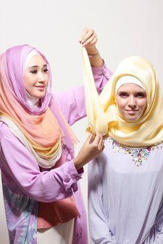 Tutorial Hijab Modern Paris Dian Pelangi Untuk Pesta THE WAVY TWIST https://www.youtube.com/user/100CaraMemakaiJilbab