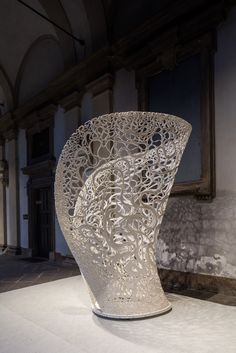 Named after the Greek word for flora that has no differentiation between stem and leaf, Thallus is an experimental structure investigating form and pattern generated by advanced manufacturing and computational methods. Created by automated additive manufacture as well as hot-wire cutting technology, the structure presents the on-going investigations into robotic assisted design undertaken by Zaha …