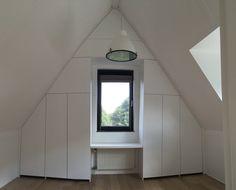 Inbouwkast, zolderkast, inloopkamer, kast onder schuin dak, maatwerk kasten bij MELKA Interieurbouw