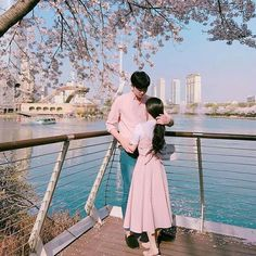 uzzlang couple ༘ ꒱ ꒱ ©,° Couple Posing, Couple Shoot, Couple Ulzzang, Style Japonais, Couple Aesthetic, Asian Love, Wattpad, Korean Couple, Fashion Couple