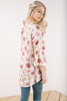 The Bistro Floral Blouse in Cream