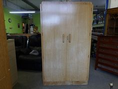 Wardrobe with two internal shelves and 6 drawers, measurements are H-184.5cm W-107cm D-53.5cm ---------------------- £125 (pc816)