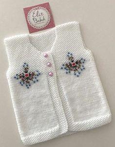 Knitting Stiches, Sweater Knitting Patterns, Hand Knitting, Girls Sweaters, Baby Sweaters, Knitted Baby Cardigan, Crochet Motifs, Baby Vest, Baby Kind