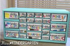 Miss kindergarten: classroom organization classroom supplies, classroom organisation, teacher organization, teacher school Classroom Organisation, Classroom Supplies, New Classroom, Teacher Organization, Classroom Setup, Teacher Tools, Preschool Classroom, Classroom Management, Teachers Toolbox