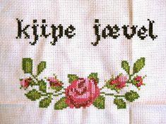 Bilderesultat for geriljabroderi Funny Embroidery, Cross Stitch Embroidery, Embroidery Designs, Safari, Beading Patterns, Diy And Crafts, Knitting, Crossstitch, Funny Stuff