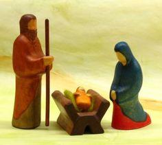 Buntspechte Wooden Nativity Family