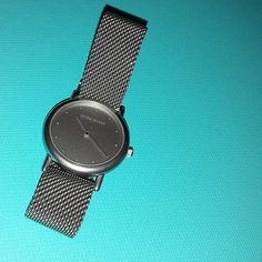"""VINTAGE GEORG JENSEN LADY'S WATCH # 346, STAINLESS STEEL CASE & MESH BAND. DESIGN THORUP & BONDERUP. Condition: fine vintage, preowned. Quartz movement. In working order Year:ca 1980's Size: 6 1/2"""" long , 7/8"""" diameter. dial."""