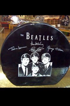 "Beatles ""hatbox"" suitcase from 1963-1964"