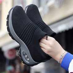Mesh Cushioned Running Casual Platform Shoes Cute Sneakers, Casual Sneakers, Air Max Sneakers, Sneakers Fashion, Casual Shoes, Fashion Shoes, Shoes Sneakers, Sneakers Women, Women's Shoes