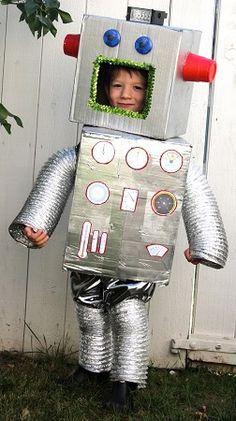 Faire un déguisement de robot Halloween facilement Robot Costume Kids, Robot Halloween Costume, Halloween Kids, Halloween 2018, Diy For Kids, Crafts For Kids, Diy Robot, Smart Robot, Homemade Costumes