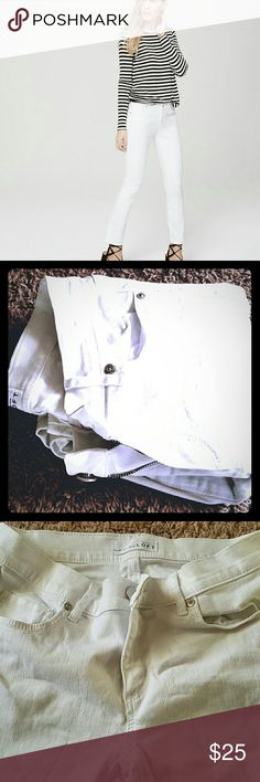Ann Taylor Loft White Modern kick Crop Never worn, like new. Will steam and iron before shipping (if buyer wants). LOFT Pants Ankle & Cropped