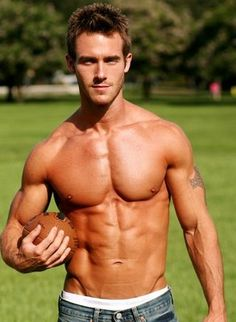 Hot American Football Players | Shirtless Football Hunk | MALE ATHLETES