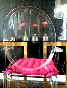 Kartell Louis Ghost Chair => http://fashionumami.blogspot.nl