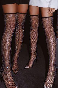 Look Fashion, Fashion Shoes, Fashion Outfits, Latex Fashion, Fashion Goth, Couture Fashion, High Fashion, Fashion Beauty, Looks Rockabilly