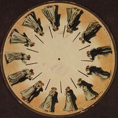 Mais tarde no mesmo ano, o austríaco Simon von Stampfer inventou o disco estroboscópico, para a mesma máquina.