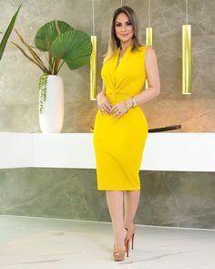 Fashion Women S Quartz Watches Sexy Dresses, Cute Dresses, Beautiful Dresses, Fashion Dresses, Dresses For Work, Skirt Fashion, Skirt Outfits, Dress Skirt, Bodycon Dress