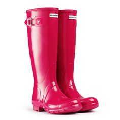 These Raspberry red/pink Hunter wellies for those rainy walks to work. Funky Wellies, Wellies Boots, Hunter Rain Boots, Slip On Boots, Knee High Boots, High Heels, Red Hunter, Raspberry Color, Wellington Boot