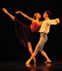 Andrea Bayne and Matthew Cluff in Paul Destrooper's Dances with Wolfgang Amadeus Mozart (Photo by
