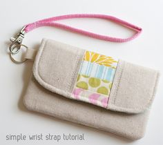 "Don't need the ""Easy Wrist Strap Tutorial""...just like the look of this bag!  Great for using up scraps."