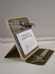 easel calendar...what great idea for teacher's gifts or little stocking stuffers. Could personalize the with names or photos.