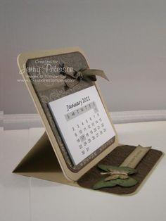 easel calendar