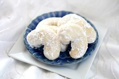 Italian Wedding Cookies #recipe via @The Hungry Housewife National #Cookie Month