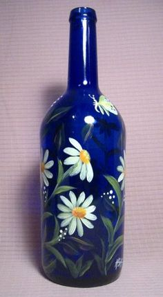 Wine Bottle Crafts – Make the Best Use of Your Wine Bottles – Drinks Paradise Painted Glass Bottles, Glass Bottle Crafts, Wine Bottle Art, Lighted Wine Bottles, Painted Wine Glasses, Decorated Bottles, Bottle Lamps, Glass Painting Designs, Wine Craft