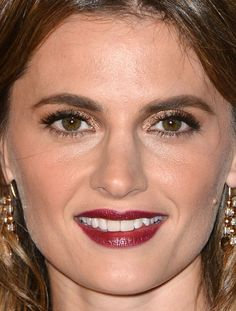 Stana Katic at The Music Center's 2014 anniversary event. http://beautyeditor.ca/2014/12/17/holiday-party-makeup
