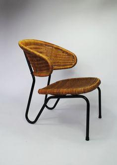 Dirk van Sliedregt; Enameled Metal and Rattan Easy Chair for Rohé Noordwolde, 1954.