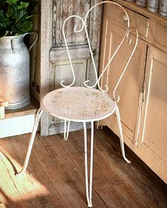 フランスガーデンチェアなどネットショップアップしました  随時アップしてきまーす  http://ift.tt/1J2gscs  #deco #rustic #brocante #antique #interior #vintage  #shabbychic #oldstyle #antiques #frenchstyle #decoration #ancien #antiqueshop #lovelyvintage #homedeco #shabby #retro #gardening #chaire #garden #white #antiquedesign#furniture #いなざうるす屋さん #シャビー #古道具 #ブロカント #アンティーク by brocante_de_la_cocotte