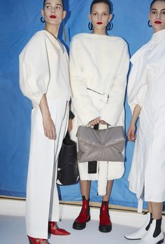 black, white and grey. Lets kill it with make-up. COLOR Backstage at Céline Spring 2016 - Celine Spring l Womenswear l Women fashion runway look outfit white Love Fashion, Spring Fashion, High Fashion, Fashion Show, Fashion Outfits, Womens Fashion, Fashion Design, Fashion Trends, Ss16