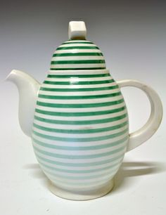 Coffee pot by Nora Gulbrandsen for Porsgrund Porselen. Cheese Dome, Teapots And Cups, Ceramic Teapots, Chocolate Pots, Green Stripes, Shades Of Green, Stoneware, Tea Pots, Red And White