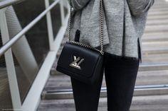 Cosy Knits & Louis Vuitton Twist Bag | more on www.viennawedekind.com #knits #louisvuitton #designersremix